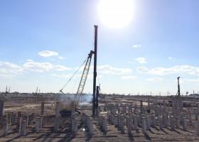 اجرای پروژه ساخت و کوبش شمعهای پیش ساخته بتنی در طرح توسعه و تثبیت ظرفیت پالایشگاه آبادان